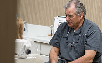 Park Dental Specialists offers complete periodontics services at our Lincoln Park and Orland Park dental clinics.