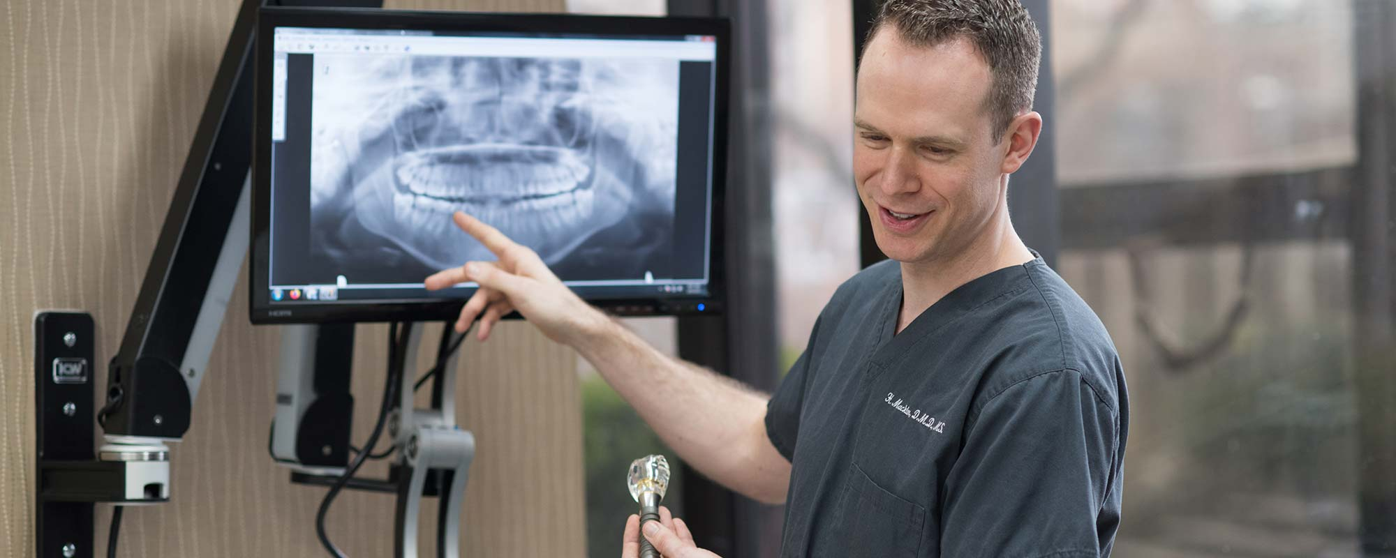 Park Dental Specialists offers TeethXpress dental implant services at our Lincoln Park and Orland Park dental clinics.